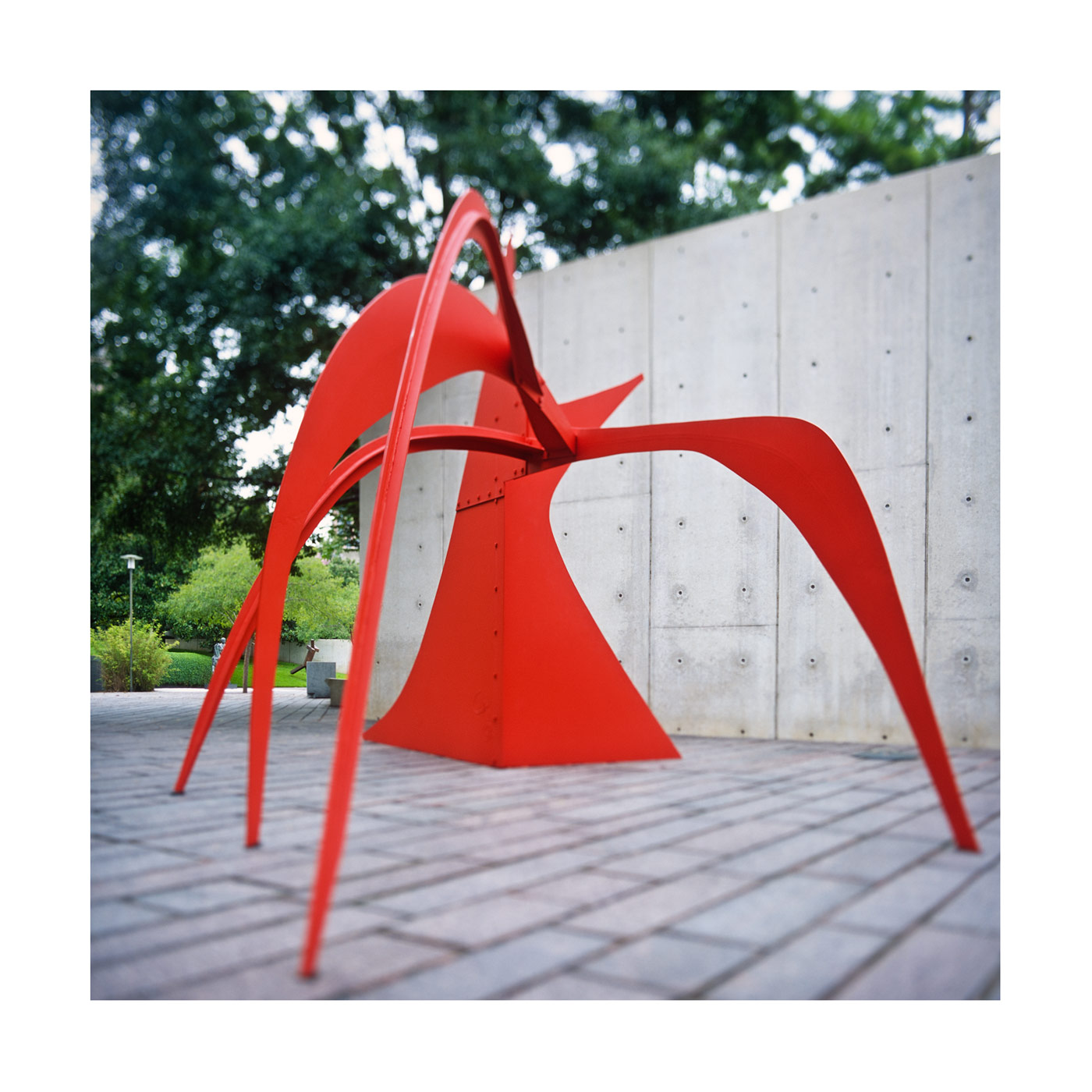 CALDER SCULPTURE IN MFAH GARDEN ART