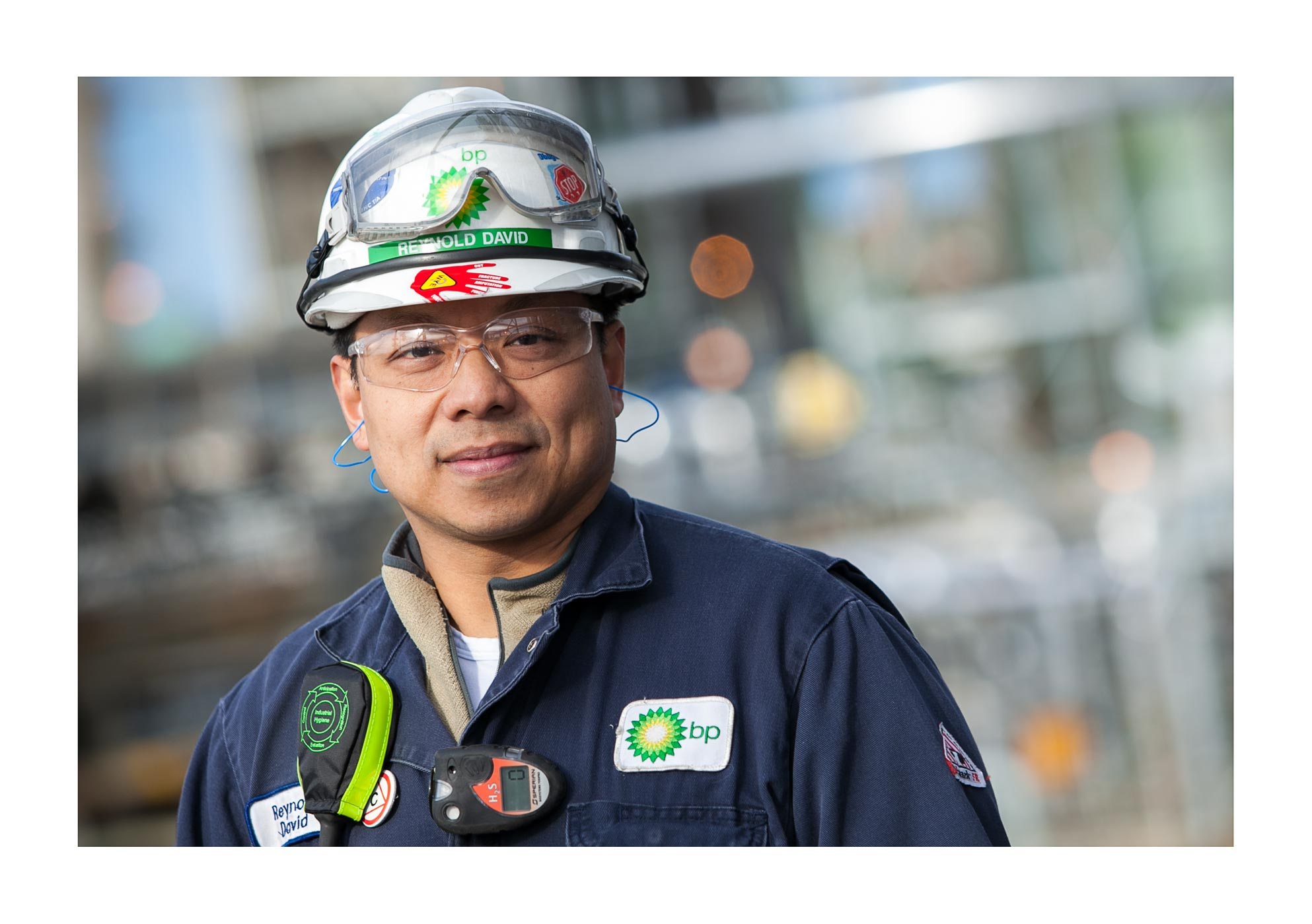 REFINERY WORKER PORTRAIT INDUSTRIAL HYGIENIST